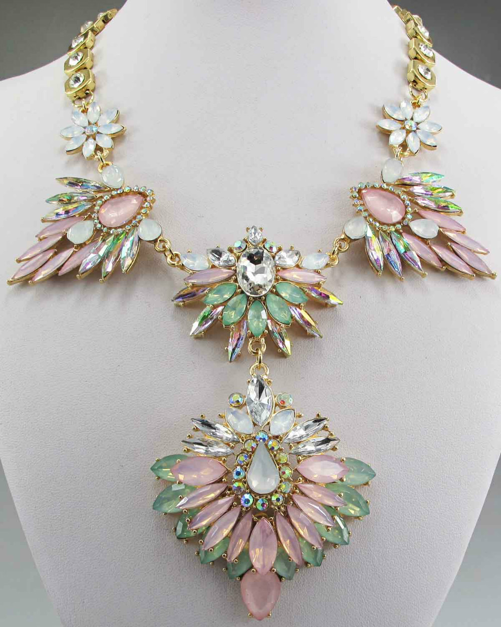Newest Gorgeous Fashion crystal Pink Green Bib Statement Necklace Women Choker Ancient Golden Chain Necklace & Pendants Q612(China (Mainland))