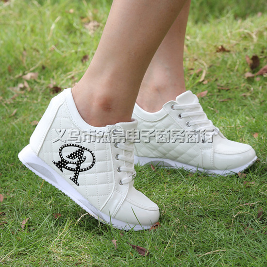 2015 seasons within the higher slope with heavy bottomed shoes wear resistant rubber bottom travel shoes