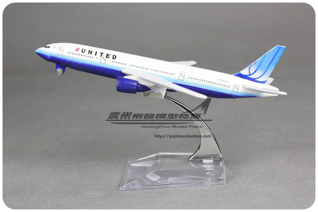 1:400 16cm Airplane Model USA United Boeing B777 Airline Aircraft Jetliner Metal Plane Model Diecasts Souvenir Toy Vehicles Gift