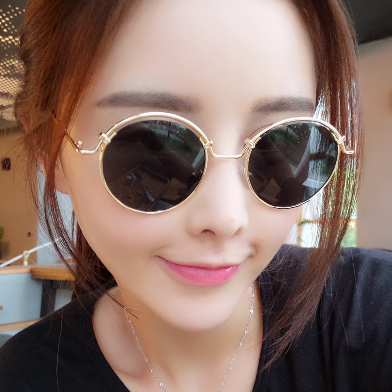 Hot 2016 New Fashion Sunglasses Women Retro Round Metal Hollow Out Frame Sunglasses Dazzle Color Mirror Sun Points(China (Mainland))