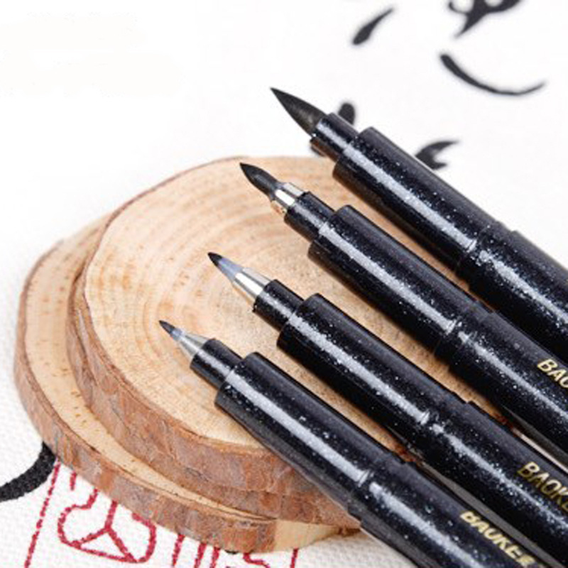 Brush and fine point fineliner penmanship calligraphy pen Drawing with calligraphy pens