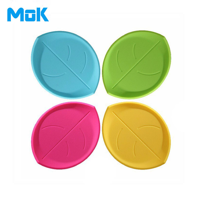 Creative 3D Leaf Shaped Silicone Coasters Candy Color Dinner Placemats For Table Unique Cup Mats Tablemat 1 Piece Free Shipping(China (Mainland))
