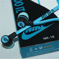 Nuovo di alta qualità 3.5mm in-ear cuffie cuffie auricolari per iphone 3 4 4 s 5 5 s per ipad 2 3 4 mini mp3 mp4 per samsung s5 s6