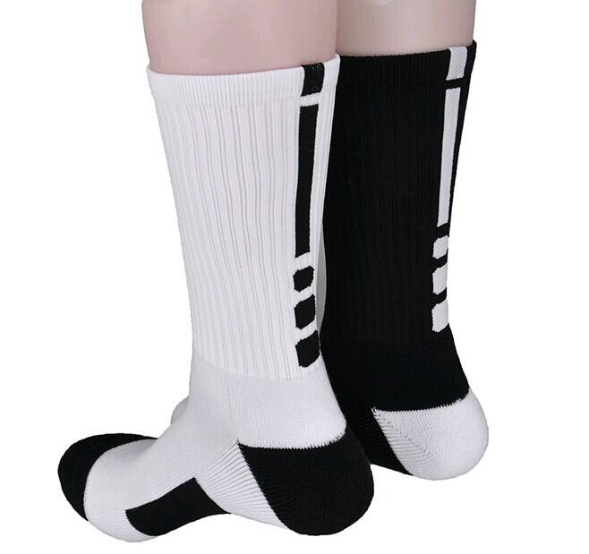 Hot sale! Good quality Professional tennis Badminton socks breathable sport elite socks long Thickened cotton running socks(China (Mainland))
