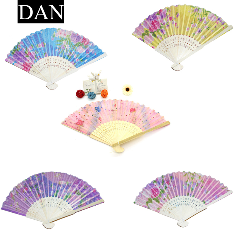 Hot Sale 1 Pieces Random Color Retro Classical Chinese Fan Folding Bamboo Flower Pattern Lace Hand Fan Decor(China (Mainland))