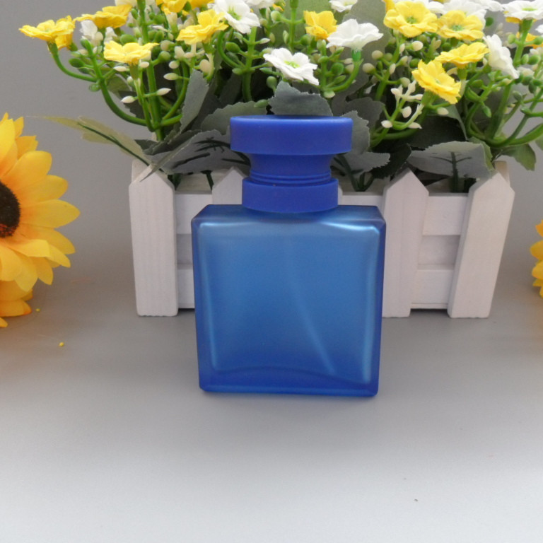 wholesale 100pcs 50ML perfume glass bottle / square 50ml galss spray perfume bottle / nozzle empty Frosted bottle with sprayer
