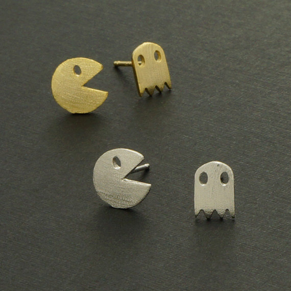 Cute and tiny pacman post earrings. Choose your color. Gold, Silver. ES101(China (Mainland))