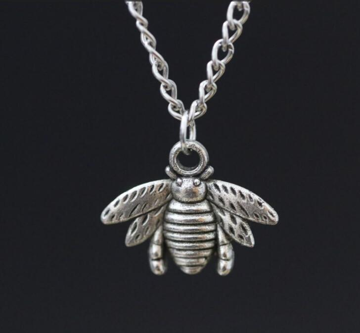 Bee Pendant Necklace Alloy Vintage Ancient Silver Pendants Charms ~~ Gift(China (Mainland))