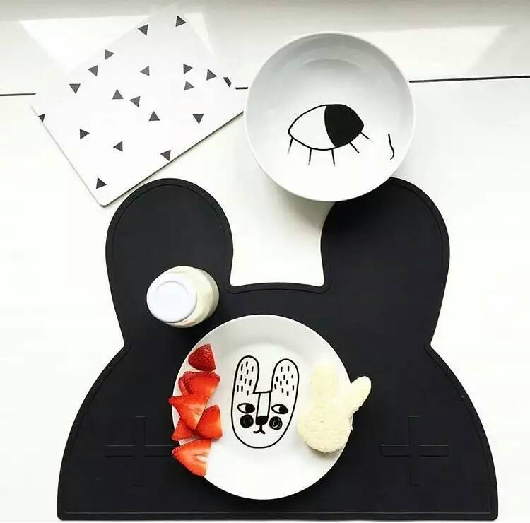 2016 Large Size Silicone Portable Placemat Lovely Rabbit / Bunny Creative Kids Baby Silicone Placemat Heat Resistant BPA Free(China (Mainland))