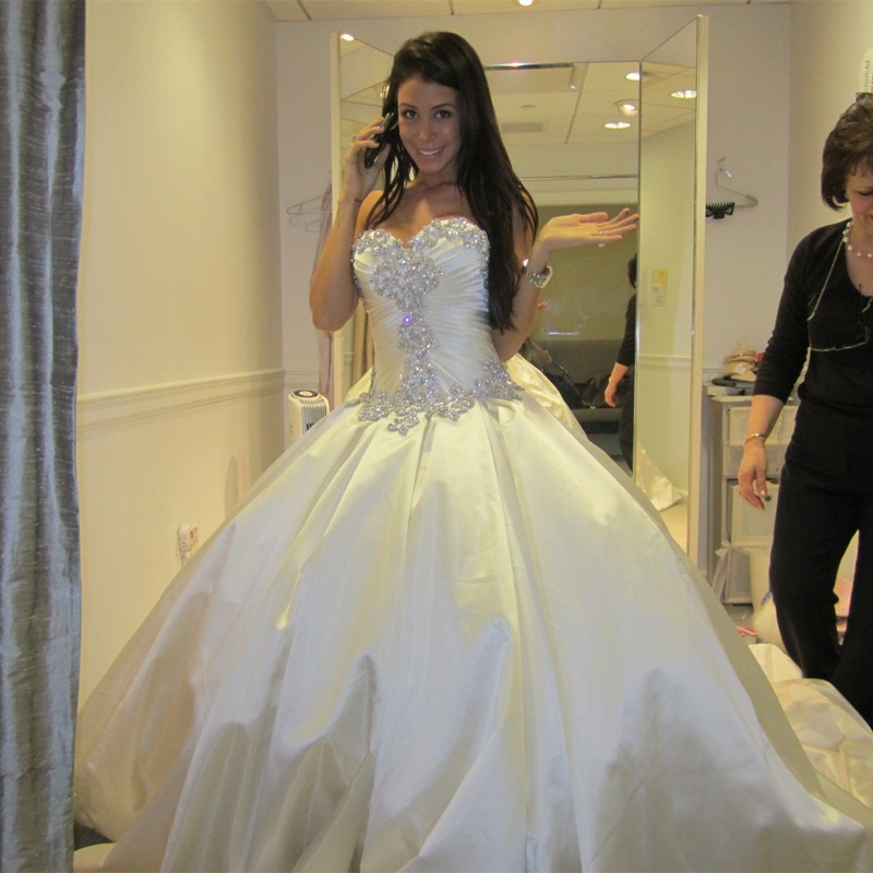 New arrival 2015 luxury sweetheart wedding gown bling for Luxury ball gown wedding dresses