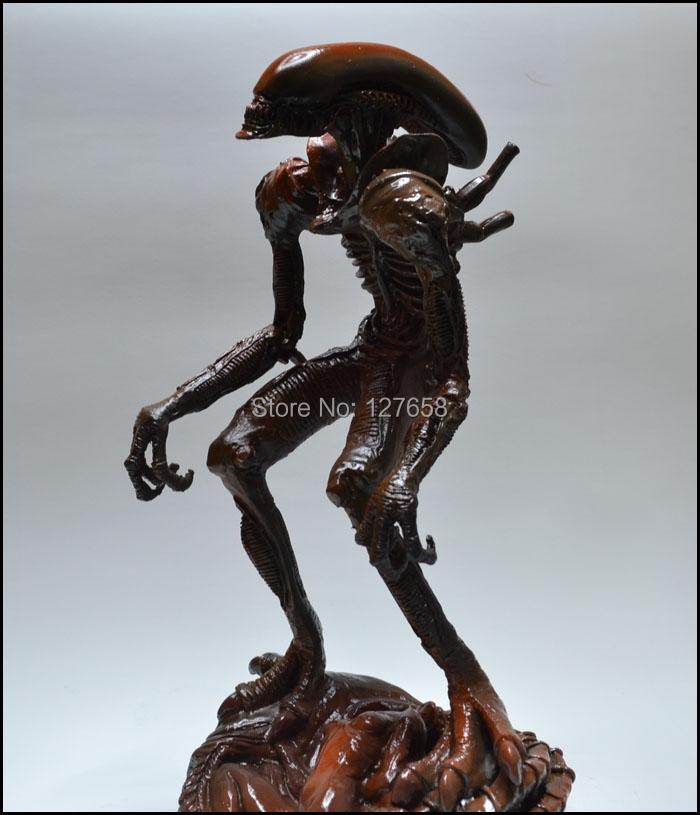 2014 NEW Alien vs Predator figure Alien's Mother GK hand model H27CM(China (Mainland))