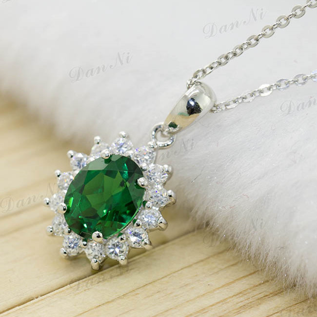 Luxury Oval Cut Emerald Pendant symbol Health &care bring good luck for women sterling silver with white gold plating(China (Mainland))