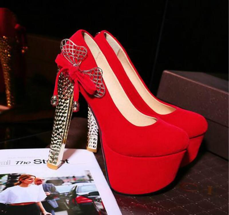 ซื้อ ใหม่สีดำไนท์คลับรองเท้าส้นสูงเป็นพิเศษยุโรปและสหรัฐอเมริกาเซ็กซี่โลหะกุทัณฑ์หนังนิ่มรองเท้าส้นหญิง