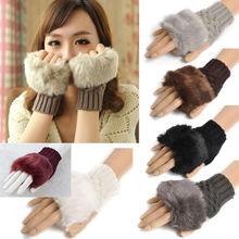 Перчатки и рукавицы  от slowcity для Женщины, материал Искусственный мех артикул 32323243139