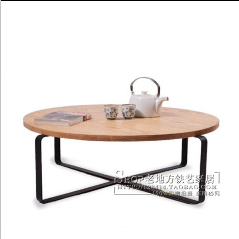 American country wrought iron wood round coffee table for Wrought iron living room furniture