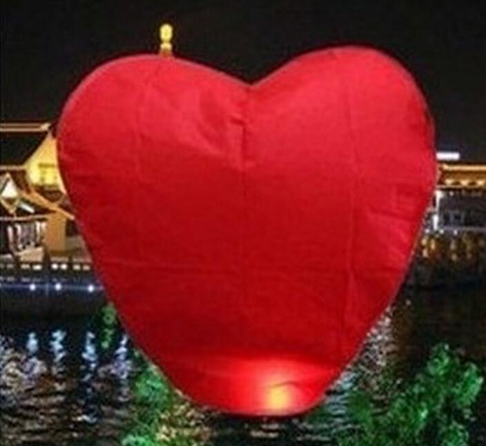 Red Heart Sky Lanterns Chinese Paper Sky Candle Fire Balloons for Wedding / Anniversary / Party / Valentine(China (Mainland))