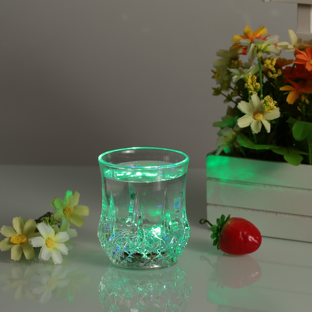 200ml LED Colorful Cup for Pub Party Flashing Light Tumbler Glass Glowing Wine Mug Liquid Sensing Beer Whisky Drinkwares Cup(China (Mainland))