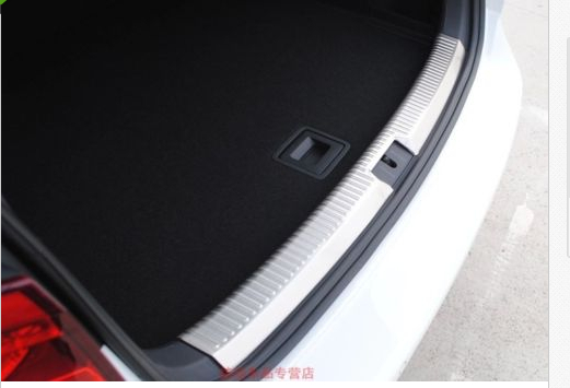 Фотография Stainless Inner Boot Cargo Lip Rear Bumper Protector for VW GOLF 7 MK7 2013 2014