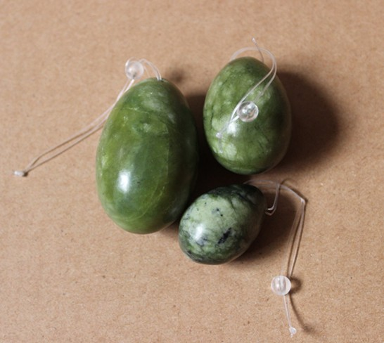 product natural green color handmade drilled jade egg para hacer ejercicio