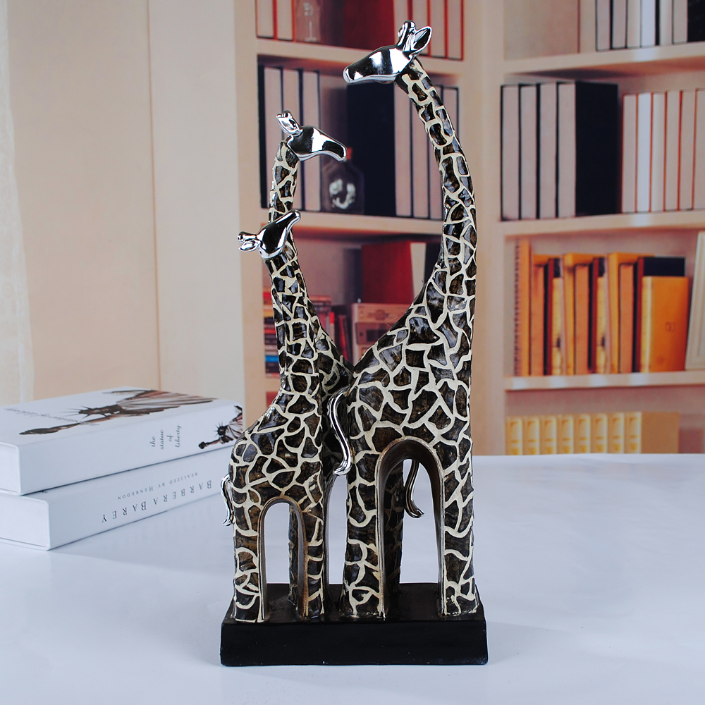 Homely Giraffe Family Sculpture Handmade Polyresin Wild