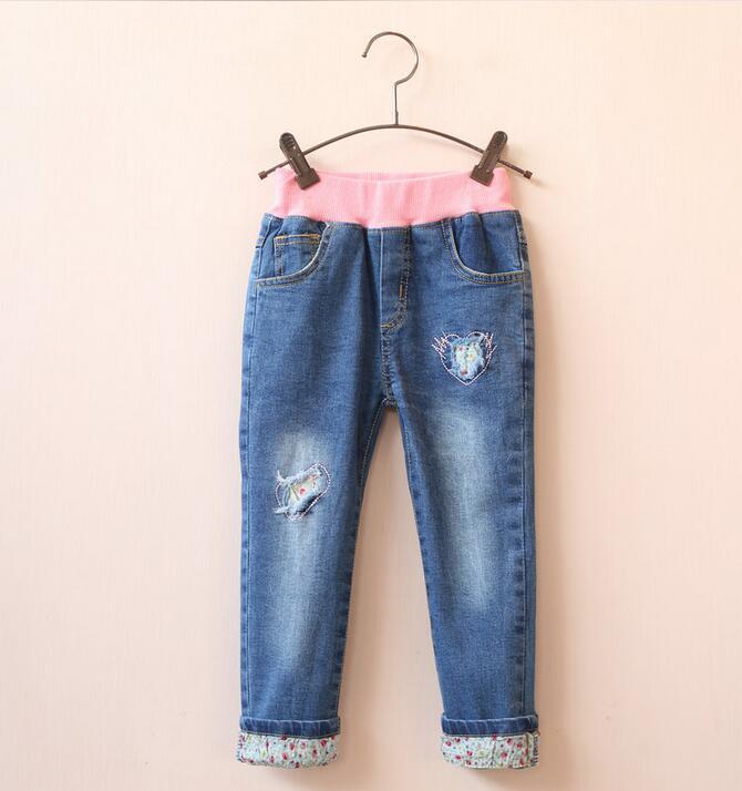 Здесь можно купить  30938041 Wholesale 2016 New Spring Fashion Girls Jeans Solid Embroidery Heart Girls Pants Denim Distrressesd Supplier Lots  Детские товары