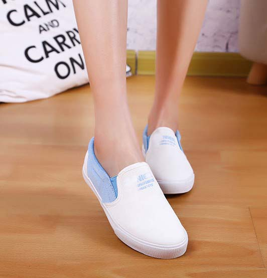 Casual lazy canvas shoes for women summer new letters print slip-on flats white black blue breathable shoes size 35-40<br><br>Aliexpress