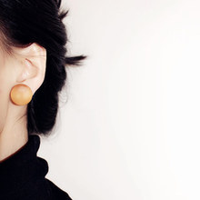 2016 New Arrival Stylish Handmade Small Orange Round Natural Wood Stud Earrings For Women Aretes De Mujer Fashion Jewelry(China (Mainland))