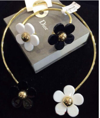 South Korean version of the small fresh exaggeration collar necklace jewelry daisies daisy bracelet necklace female clavicle(China (Mainland))