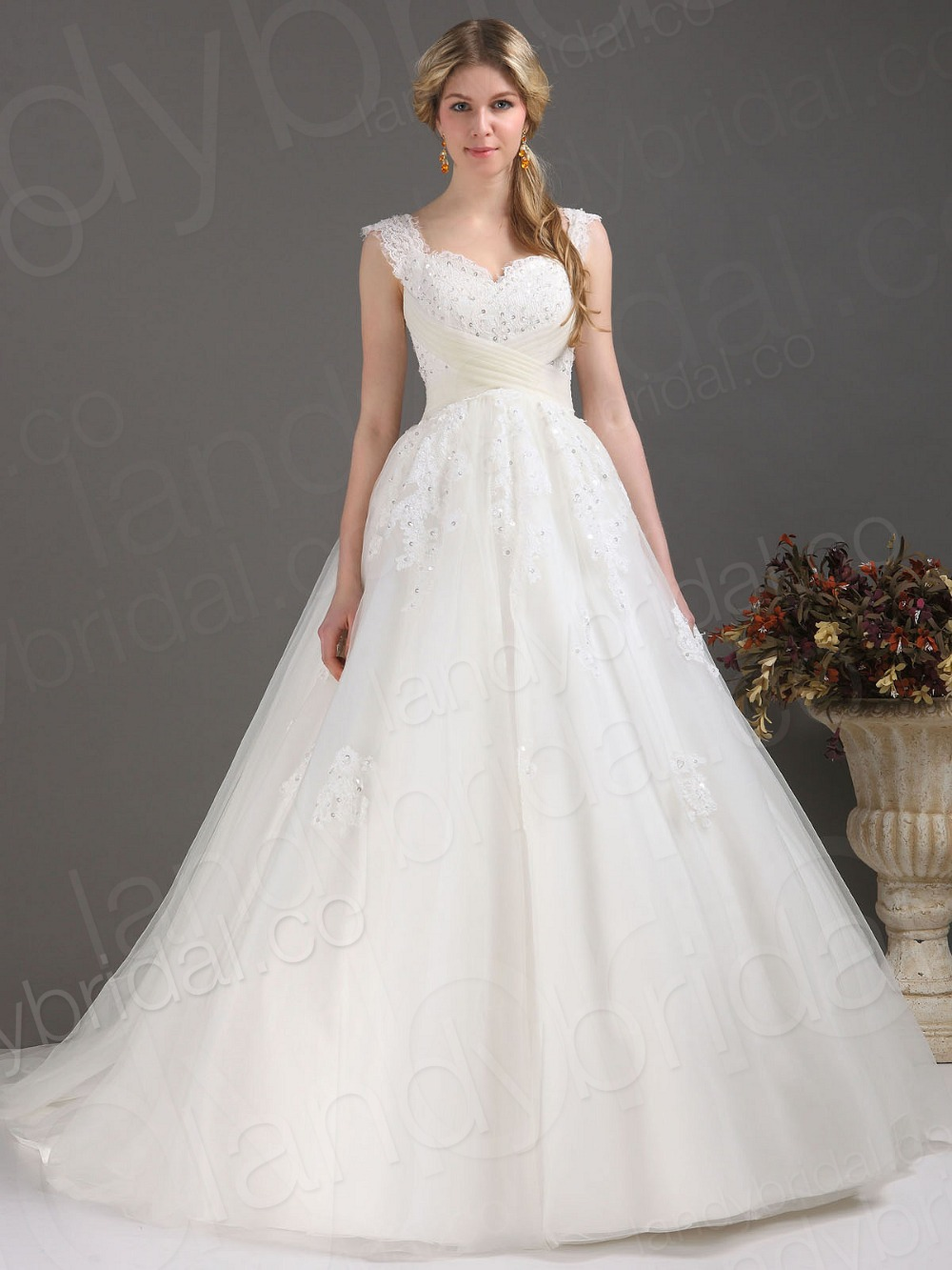 Customize super plus size looks slim tank sweetheart court for Plus size bling wedding dresses