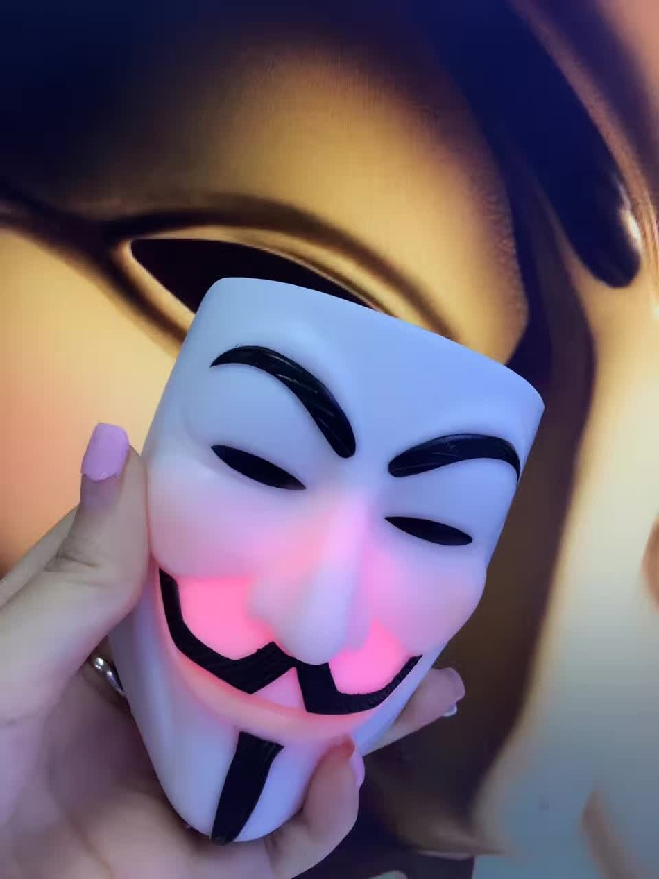v Vendetta power moves, masks emitting charge treasure, emergency portable mobile power for a variety of mobile phone tablet