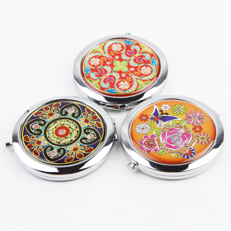 Pretty Portable Mini Women Pocket Chic Vintage Style Makeup Metal Cosmetic Compact Colorful Mirror Random Patterns Round(China (Mainland))