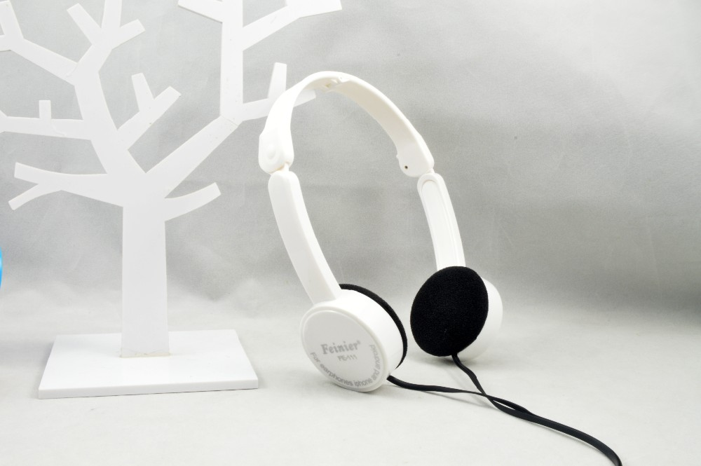 Kubite Foldable Portable Headphone Child Game Headset 3.5mm Earphone With Mic Wire Control For Phone Children Kid MP3 MP4 iPad