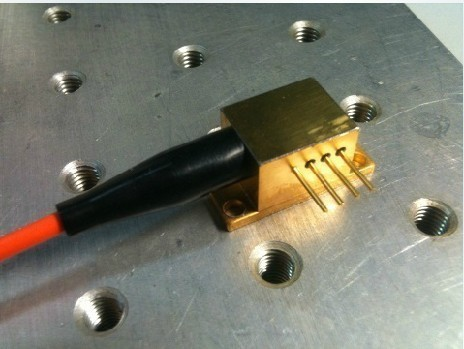 2W 980nm Fiber Coupled Laser Semiconductor Diode Fiber Coupled Laser Engrave(China (Mainland))