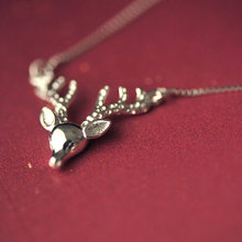 Necklace female deer deer head short chain character Silver Pendant clavicle gift accessories in Japan and South Korea