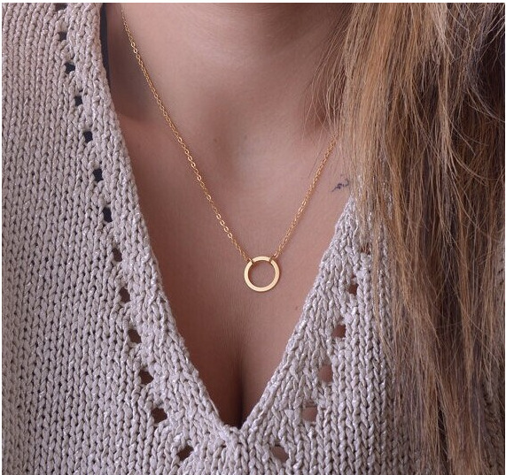 Гаджет  XL139  European and American fashion explosion models temperament collarbone chain necklace personalized fashion simple circle None Ювелирные изделия и часы