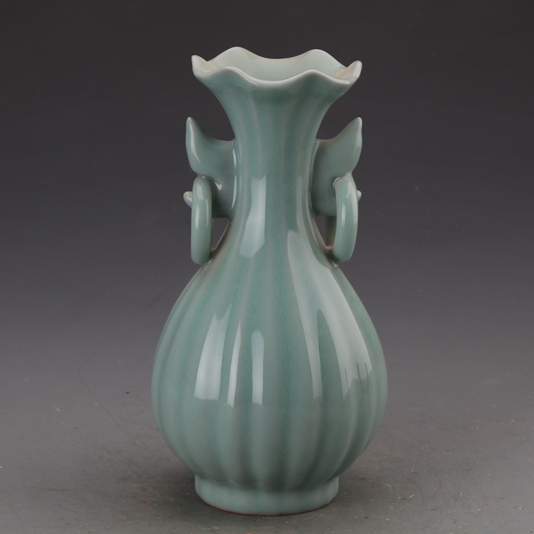 #9 Antique SongDynasty porcelain vase,Longquan kiln powder blue bottle,crafts,Decoration,Collectio&Adornment,Free shipping(China (Mainland))