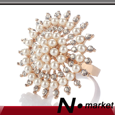 New High Class Round Napkin Rings For Wedding Peal Diamond Napkin Holders For Table Decoration(China (Mainland))
