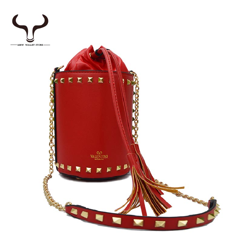 Bohemian Rock Styles Women's Shoulder Bags Barrel Shaped High Capacity PU Leather Solid Buckets Bags Designer Bag YF/880(China (Mainland))