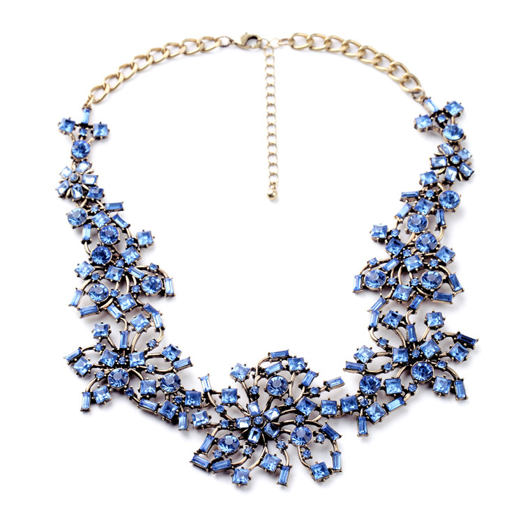 Dazzling Crystal Flowers Women Fashion Choker Necklace