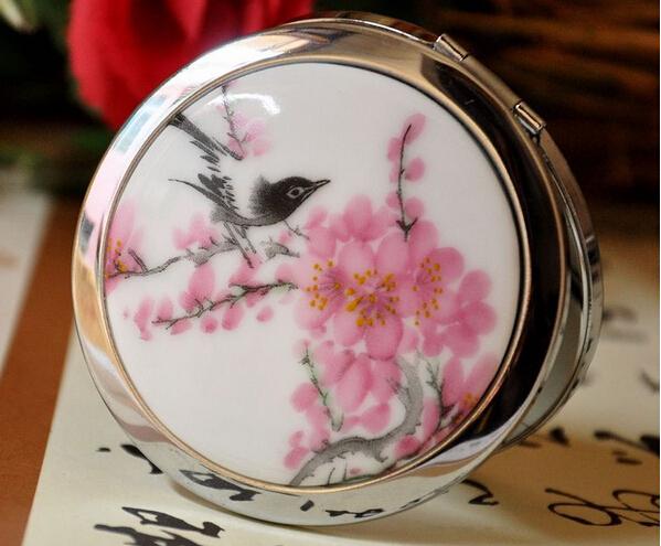 2014 Limited Promotion Espejo Espejos Shaving Fashion Carry Small Portable Folding Makeup Mirrors Gift Ideas Girlfriend Ms.Retro(China (Mainland))