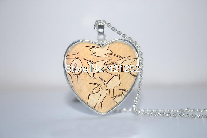 Flying Cranes Pendant, Crane Necklace, Crane Jewelry, Crane Heart Necklace Glass Photo Cabochon Necklace(China (Mainland))