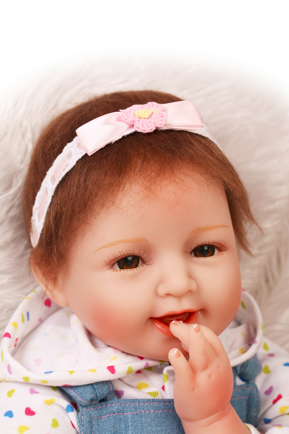 Фотография Hot Sale Soft Silicone Reborn Doll With Lovely Clothes And Safety Eyes 55cm Real NPK Dolls For Baby Gift Bonecas Bebe Brinquedos