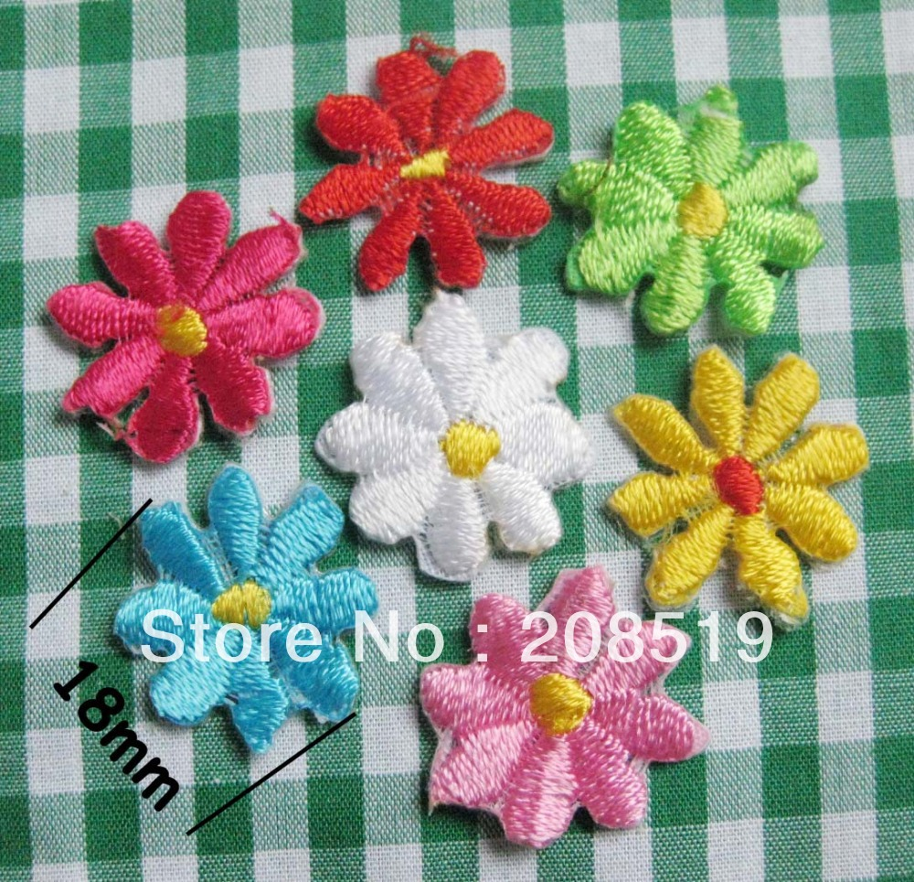 AE001 18mm Mini Flower Iron on embroidered Patch 50pcs mix 9 colors randomly baby clothes appliques garment accessories(China (Mainland))