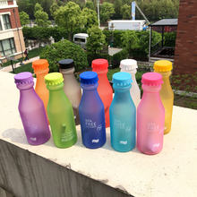 Hot Sale 550ML Candy Colord Portable Plastic My Water Bottle Tour Sport Lemon Juice Cup Drinkware High Quality BPA Free(China (Mainland))