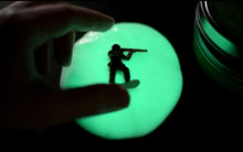 Foreign selling 50 grams of iron boxed luminous bouncing plasticine clay DIY Glow Magic Putty (China (Mainland))
