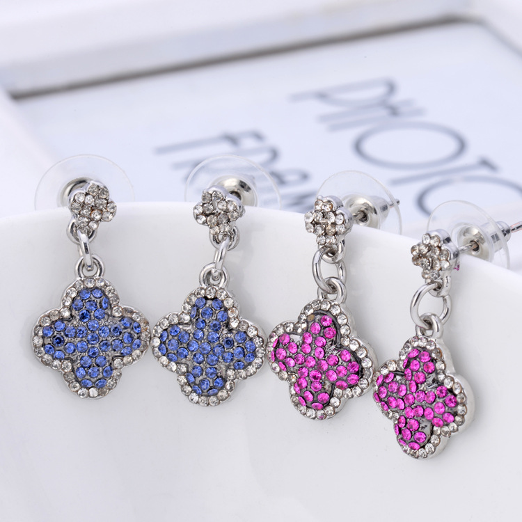 611 Fashion Boutique Accessories Elegant All-match Clovers Austrian Crystal Women Stud Earrings E3672(China (Mainland))