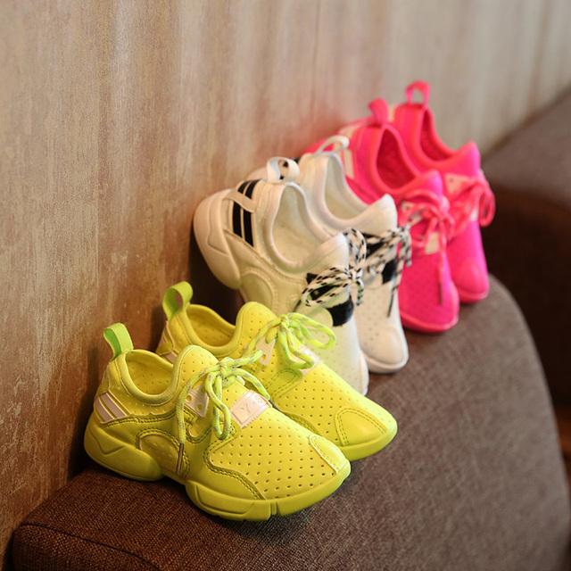 T2016 Весна Лето Детская Обувь Мальчиков Обувь для Девочек Конфеты Флуоресцентные Цвета Кроссовки Скольжения Дышащий Повседневная Обувь
