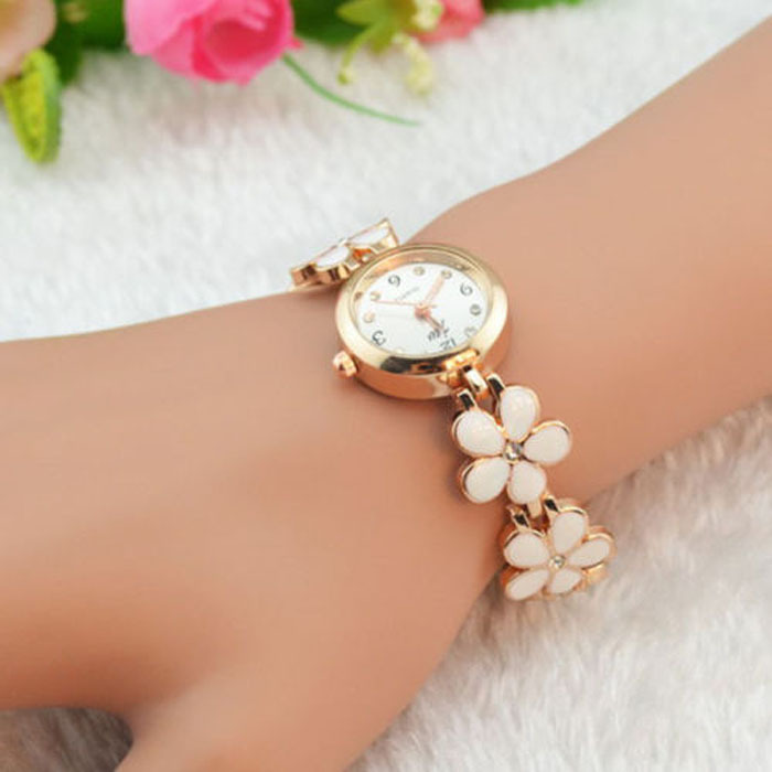 2015 Hot&New! 1 PC Fashion Daisies Flower Women Watch Rose Gold Bracelet Wrist Watch Women Girl Dress Clocks Free Shipping(China (Mainland))