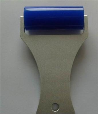 "2"" Manual Dust Remove Silicone Roller for iPhone / Samsung Galaxy S III / i9300 / S III mini / i8190 / / Note II / Note III(China (Mainland))"