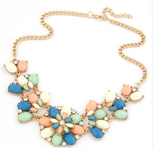 Jewerly 2014 New 6 Colors Fashion jewelry Gold Plated Rhinestone Flower Pendant Necklace Woman Cute Christmas